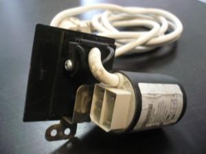 Indesit zavarszűrő kondenzátor+tápvezeték. Bontott,ép. Ára:2990ft